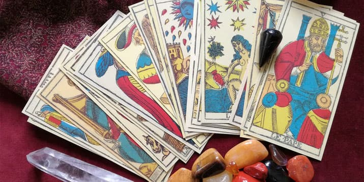 ¿Cómo interpretar las cartas del tarot? - horoscoposagitario.org